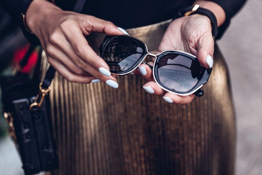 thevivaluxury-dvf-sunglasses-annabelle-fleur-2-848x566