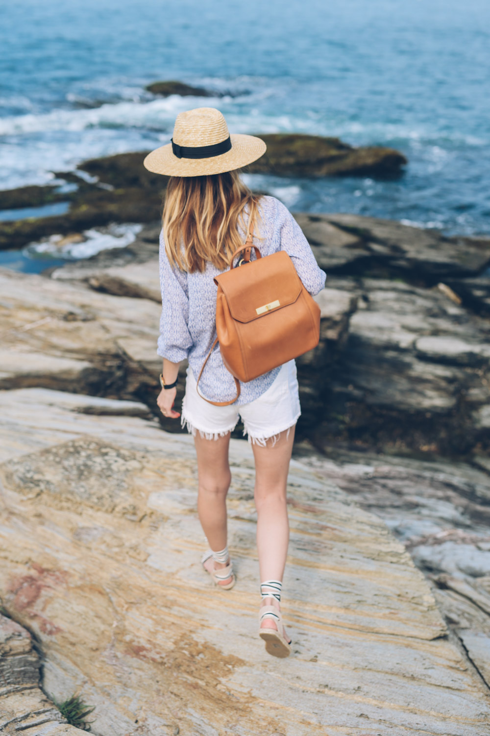 white-jean-shorts-printed-blouse-summer-style-prosecco-and-plaid-7